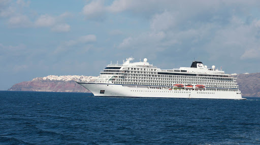 viking-star-in-santorini-3.jpg - Viking Star, seen against the cliffs of Santorini, Greece.