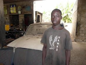 Photo: où nous rencontrons avec Victorine ce jeune-homme méritant en apprentissage