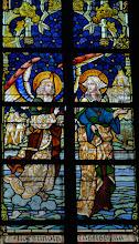 Photo: Sainte Aldegonde traversant la Sambre avec l'aide d'un ange (chapelle Sainte-Aldegonde. Les vitraux de cette chapelle sont les plus récents de la collégiale, seuls témoins du style art-déco).