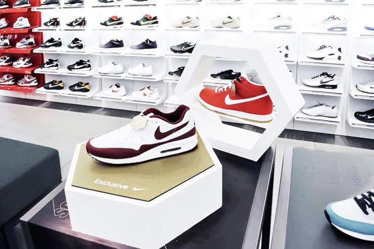 thiết kế shop giày dép cao cấp