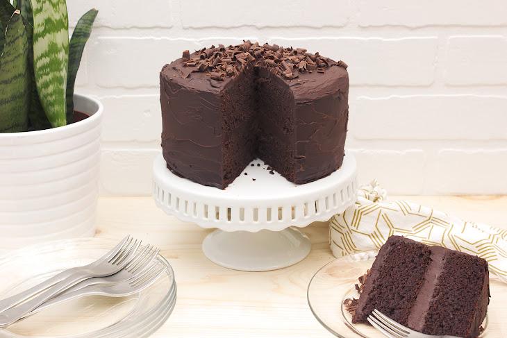 Grain-free Chocolate Cake with Dark Chocolate Ganache Frosting