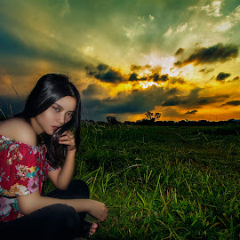 Polonia Sunset by Hansdy Pratama - People Portraits of Women ( sky, outdoor, nature, sunset, asian, portrait, sun, women,  )