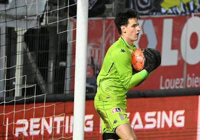 """Rémy Descamps a retrouvé sa place dans les buts carolos: """"Quand on a deux bons gardiens..."""""""