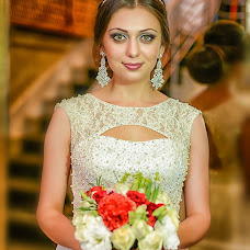 Wedding photographer Sergey Salmanov (photosharm). Photo of 20.08.2014