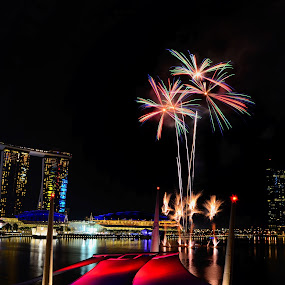Fireworks at Marina Bay by Jashper Delloroso - Abstract Fire & Fireworks ( sungapore, fireworks, ndp fireworks, pwcfireworks-dq, sg, marina bay, night, lights )
