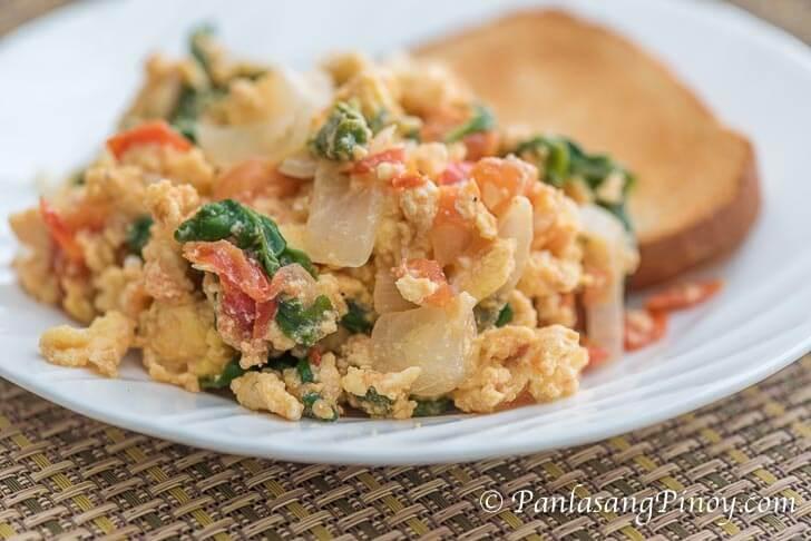 Scrambled Eggs with Tomato, Onion, and Spinach Recipe