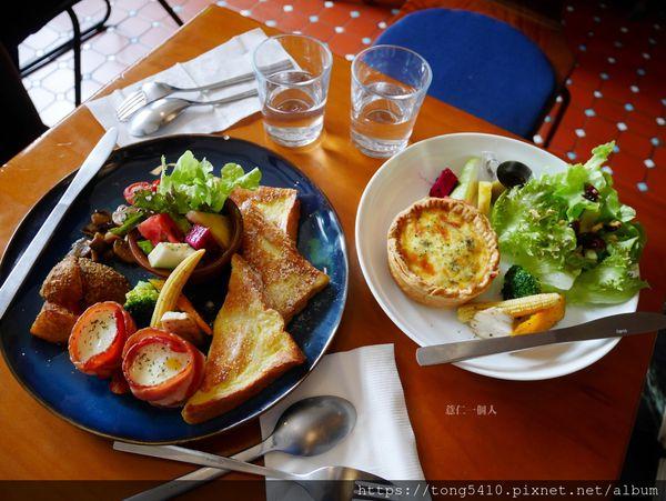 PEKO PEKO ぺコぺコ,隱藏在巷弄裡的甜食早午餐。也有鹹派跟咖哩飯
