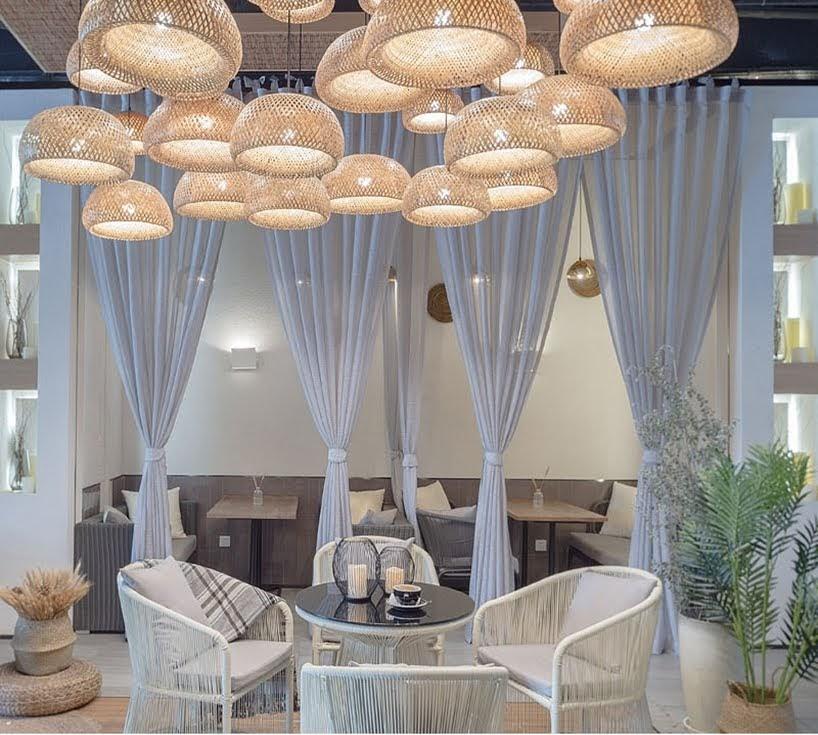 El diseño de este café fue inspirado por viajes a Italia e Indonesia