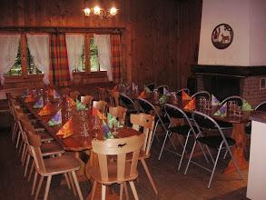 Photo: Der letzte Platz in der Waldhütte wird besetzt sein.