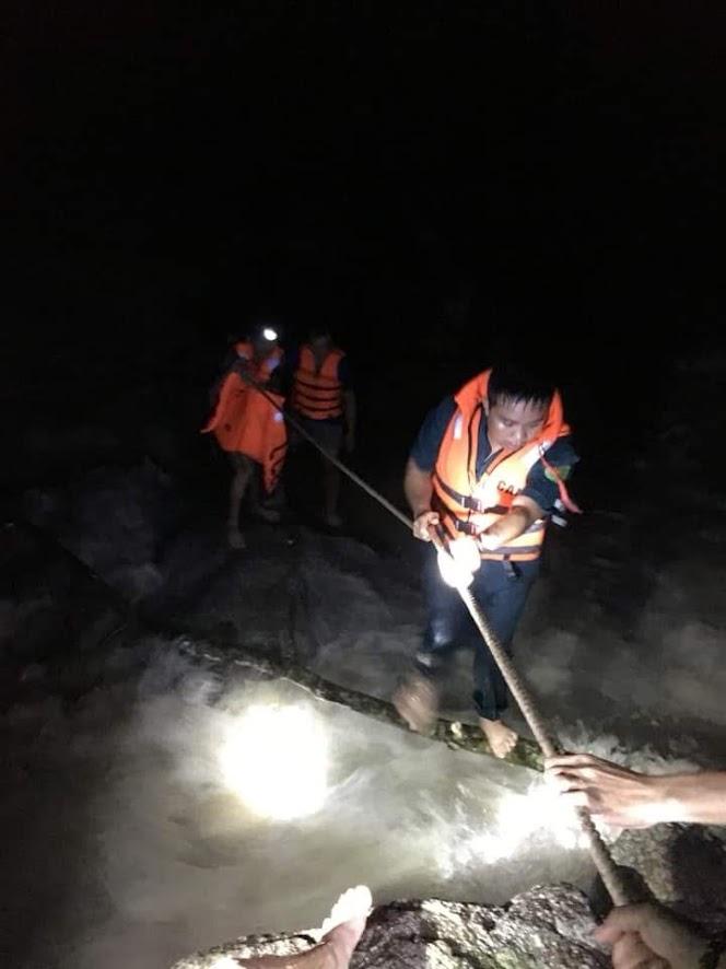 Hiện trường của vụ giải cứu 4 người dân trên địa bàn xã Châu Kim