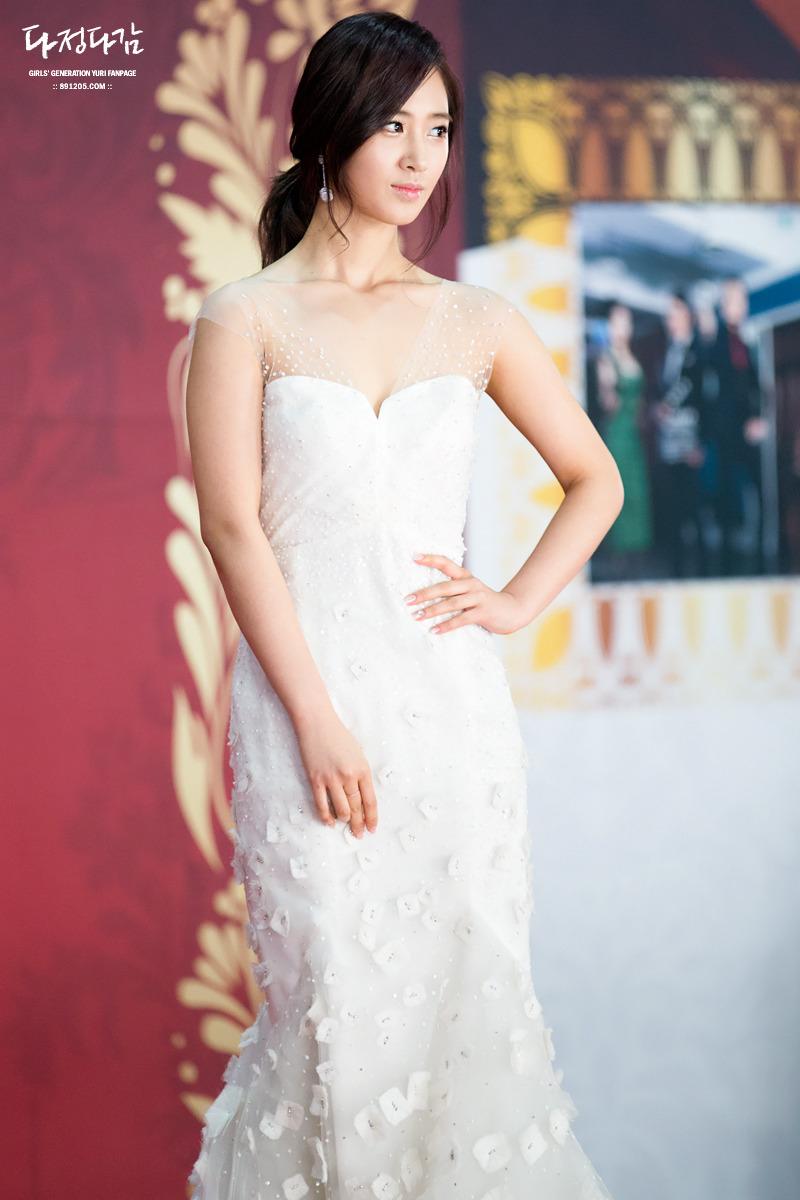 yuri gown 11