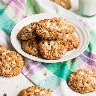 White Chocolate and Macadamia Oatmeal Cookies Recipe