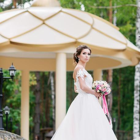 Wedding photographer Olga Bulgakova (OBulga). Photo of 09.12.2017