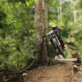 DOWNHILL by Amirul Hakim - Sports & Fitness Cycling