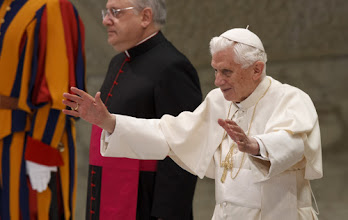 Photo: Pope Benedict XVI greets the crowd as he begins his general audience in Paul VI hall at the Vatican Nov. 28. (CNS photo/Paul Haring) (Nov. 28, 2012) See POPE-AUDIENCE Nov. 28, 2012.