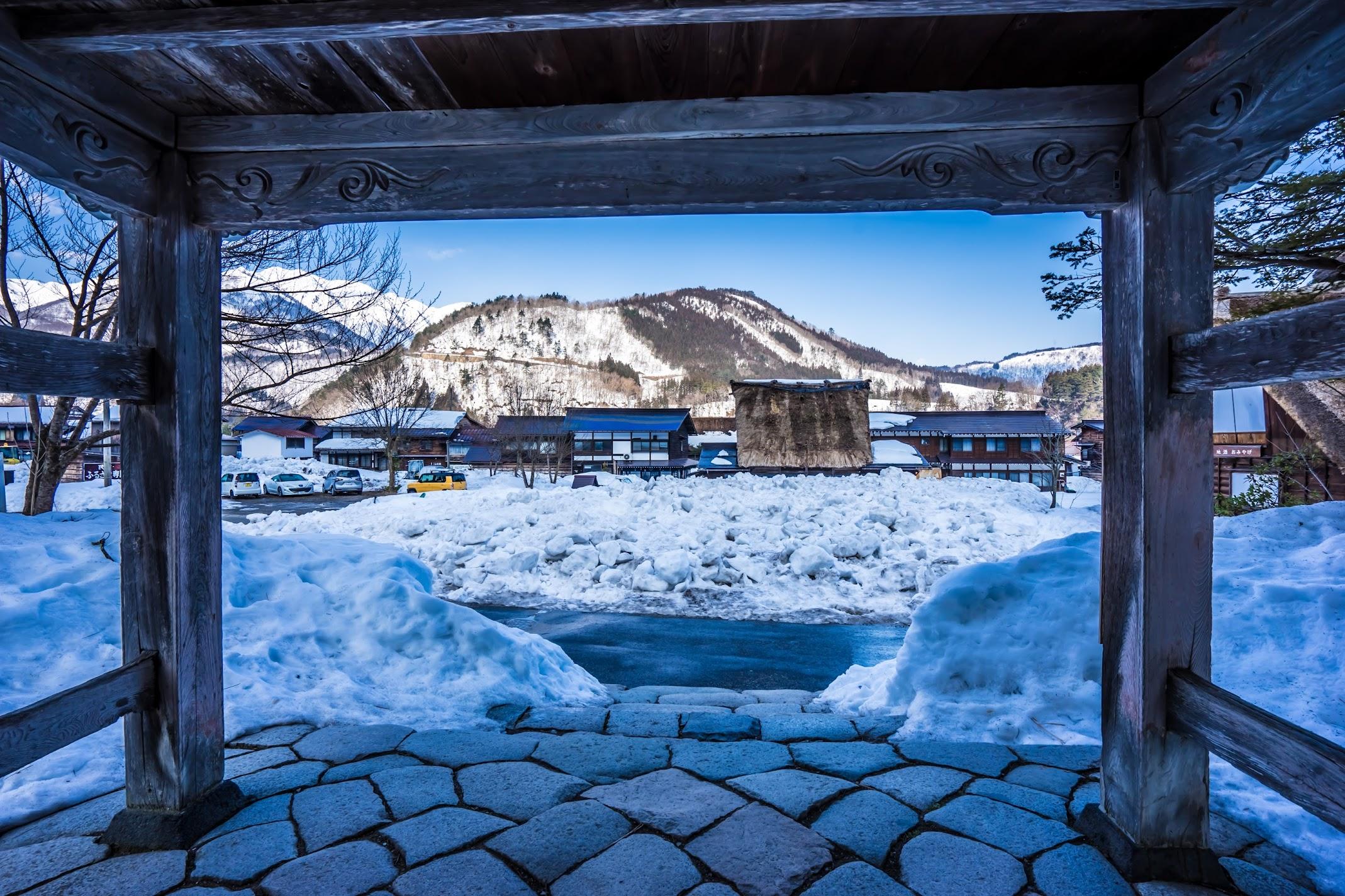 Shirakawa-go Myozen-ji temple2