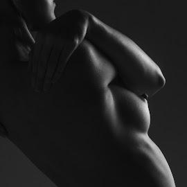 shadow by Mike S Candleghost - Nudes & Boudoir Artistic Nude ( studio, mike s, girl, nude, artistic, nikon, lowkey )