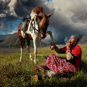 Bromo's Horseman by Perak Man - People Street & Candids ( national park, volcano, mount bromo, travel, semeru, eruption, people, perakman )