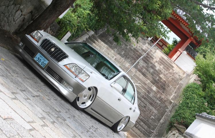 クラウンマジェスタ UZS171の不正改造車取締月間,型落ち高級セダン,レースカーテン,パーソナルアンテナ,和VIPに関するカスタム&メンテナンスの投稿画像2枚目