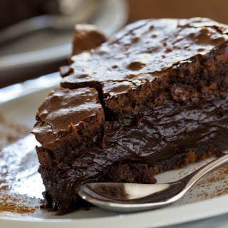 Oohey Gooey Chocolate Cake