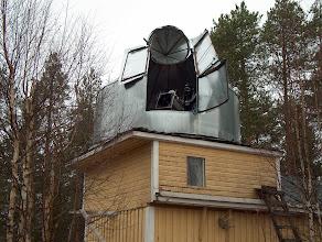 Photo: Tornin ympätillä olevien lehtipuiden latvat on tätä kirjoitettaessa jo lyhennetty haittaamasta näkymiä. Pohjoisen puolella olevia pihamäntyjä en ole toistaiseksi vielä kaadellut muutamaa lukuunottamatta.