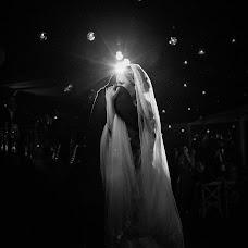 Wedding photographer Iván Inzunza (ivanylucrecia). Photo of 17.05.2018