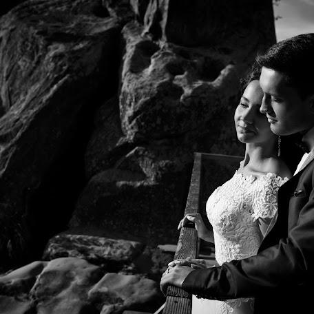 Wedding photographer Aleksandr Kostosyak (saniol). Photo of 01.10.2017