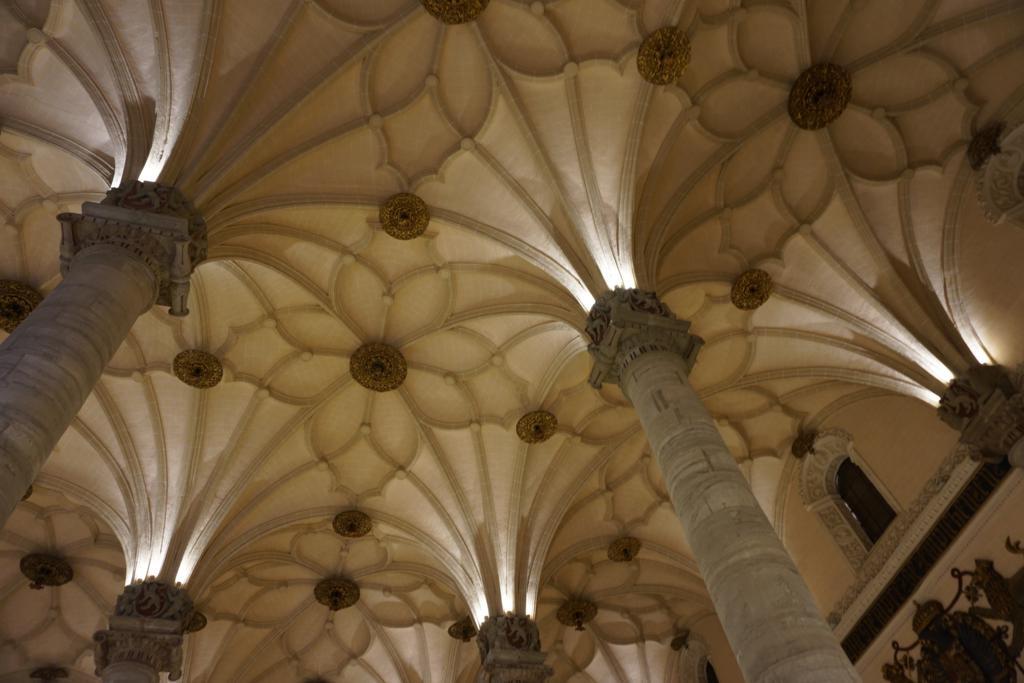 Techo del interior de La Lonja de Zaragoza