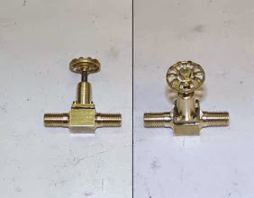 Photo: Deux vues de la vanne; l'encombrement est réduit au minimum.