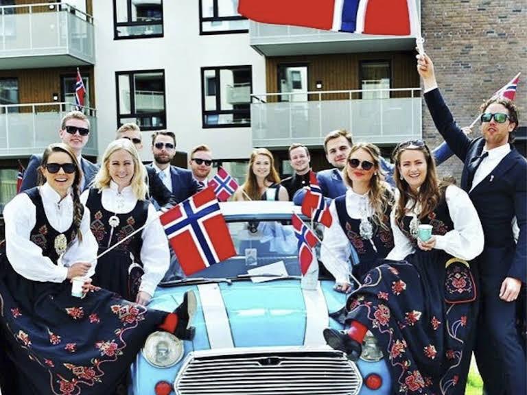 Morris Mini Hire Oslo