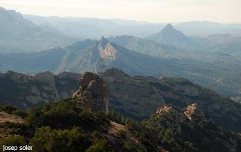 Photo: Muntanya de Santa Barbara,  Rocamala, la Falconera i l'Agulla de Bot entre d'altres.