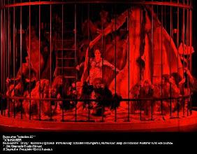 Photo: BAYREUTH 2011: TANNHÄUSER. Inszenierung: Sebastian Baumgarten. Premiere 25.7.2011. Zu unserem Premierenbericht von Dr. Klaus Billand. 1. Akt (Venusberg) . Foto: Bayreuther Festspiele / Enrico Nawrath