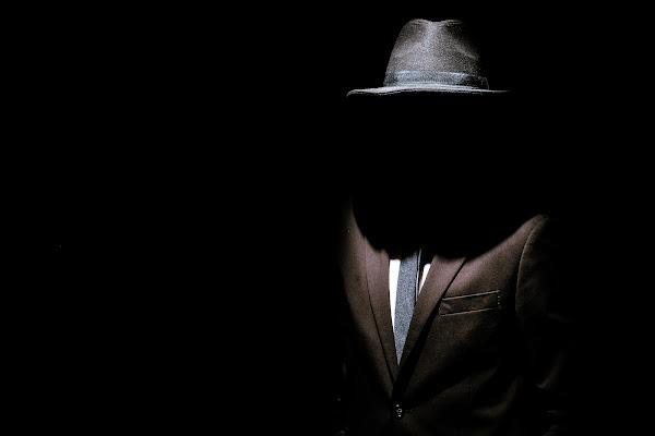 L'uomo nell'ombra di cuoredivetro80