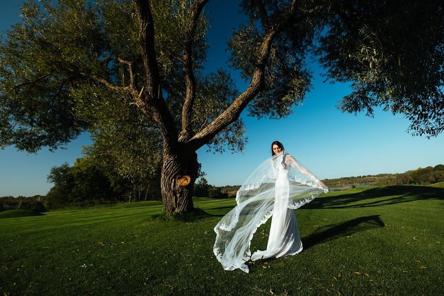 Wedding photographer Roman Shatkhin (shatkhin). Photo of 25.09.2017