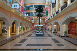 Shopping centers in Kandivali