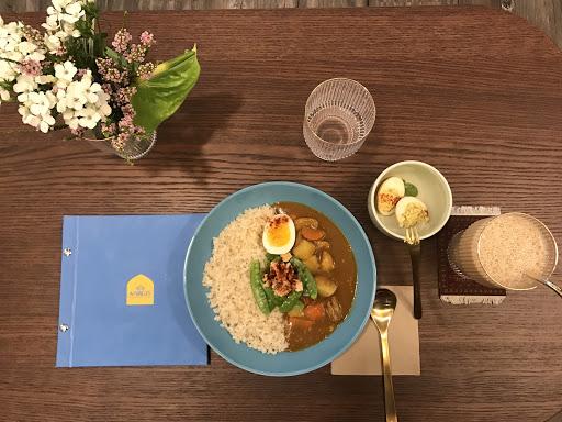 每日限量咖喱雞肉飯、 精心配製的印度香料蛋、 濃郁順口的鍋煮奶茶😋😋 享受遠從印度來的熱情 值得推~~~