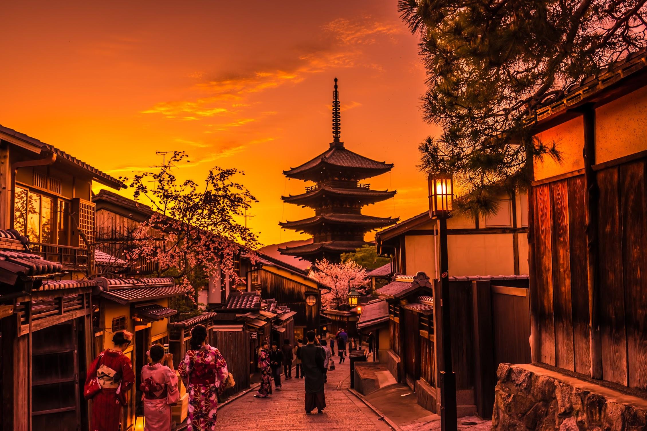 京都 八坂の塔 夕景1
