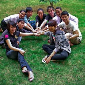 BFF - Best Friends Forever by Jonathan Herdioko - People High School Seniors