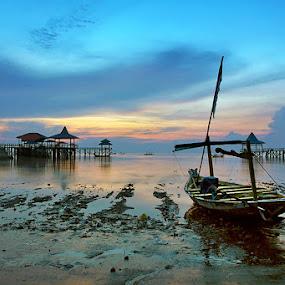 sunrise by Erwan Xu - Landscapes Beaches