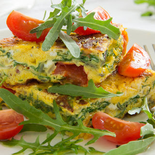 Power Up With This Tomato & Basil Breakfast Frittata!