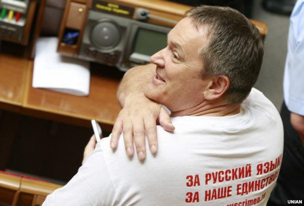 Народний депутат із фракції Партії регіонів Вадим Колесніченко в залі засідань Верховної Ради України, 25 травня 2012 року