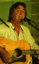 Photo: Ross Barlow performing in Priston Festival's Acoustic Showcase. © Anna Barclay 2008