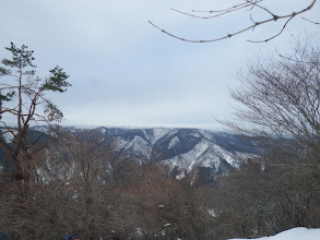 鎌倉山を望む(左に峰床山)