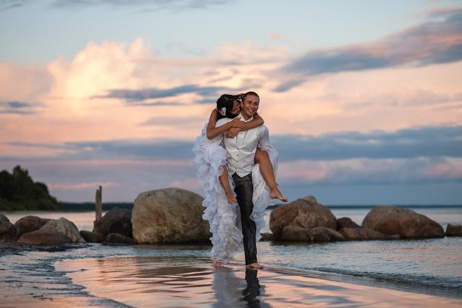 Свадебный фотограф Ромуальд Игнатьев (IGNATJEV). Фотография от 10.01.2015