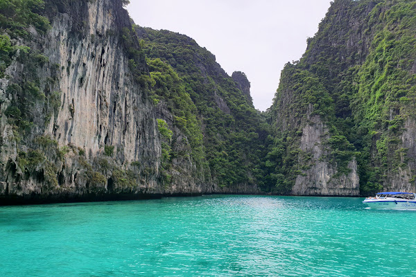 Head further to Phi Leh Lagoon without the crowds