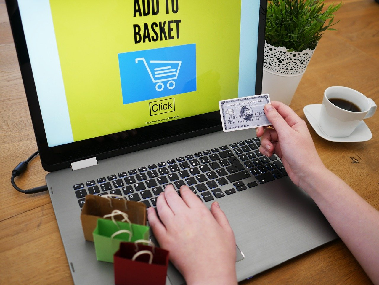 Application of Affinity Analysis in e-Commerce