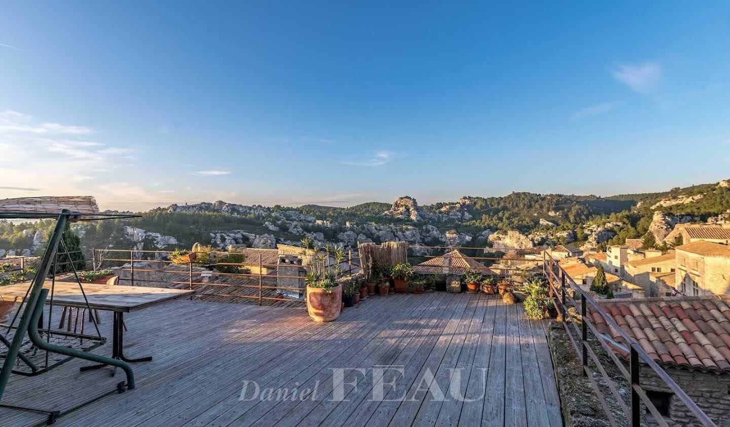 Atypical property with terrace Les Baux-de-Provence