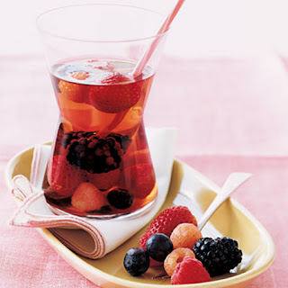 Sangria of Champagne and Red Fruits.