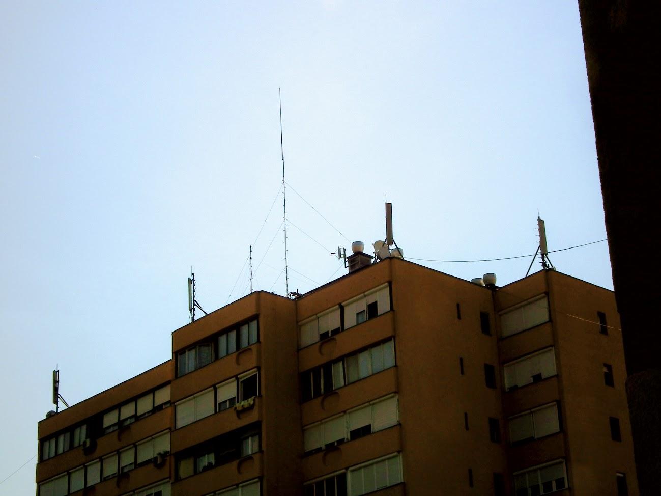 Szekszárd/toronyház - helyi URH-FM adóállomás