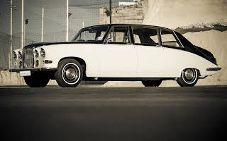 Daimler 420DS Saloon Rent Central Region